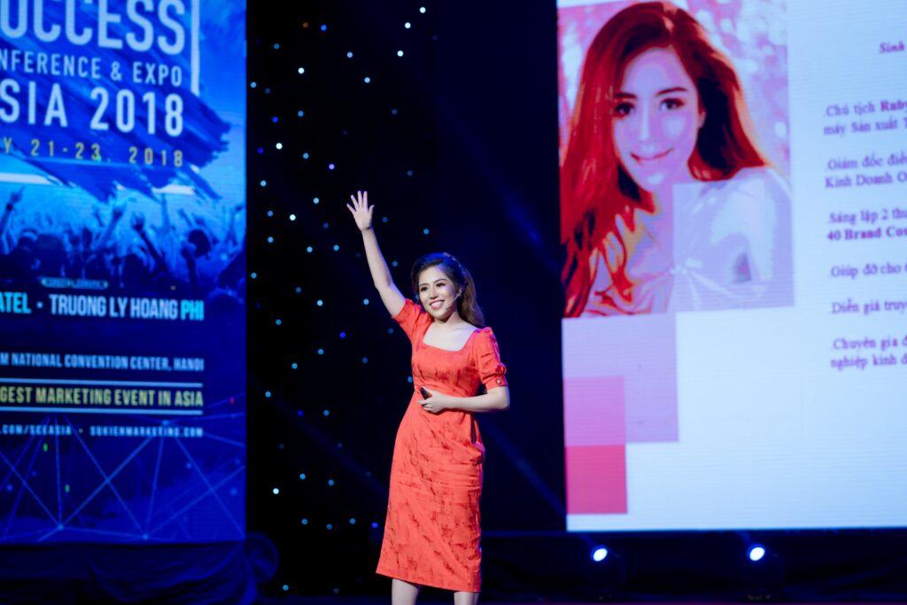 Diễn giả Đòa Minh châu với màn diễn thuyết đầy sức hút tại Success Conference & Expo Asia 2018