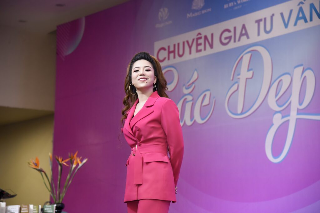 Diễn Giả Đào Minh Châu tại chương trình Chuyên Gia Tư Vấn Sắc Đẹp 2