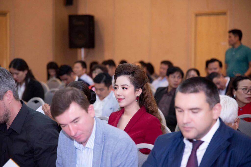 Đào Minh Châu - nữ doanh nhân trẻ tài năng trong diễn đàn doanh nghiệp Việt Nga 2019