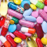Trị mụn bằng kháng sinh, các chuyên gia nói gì?