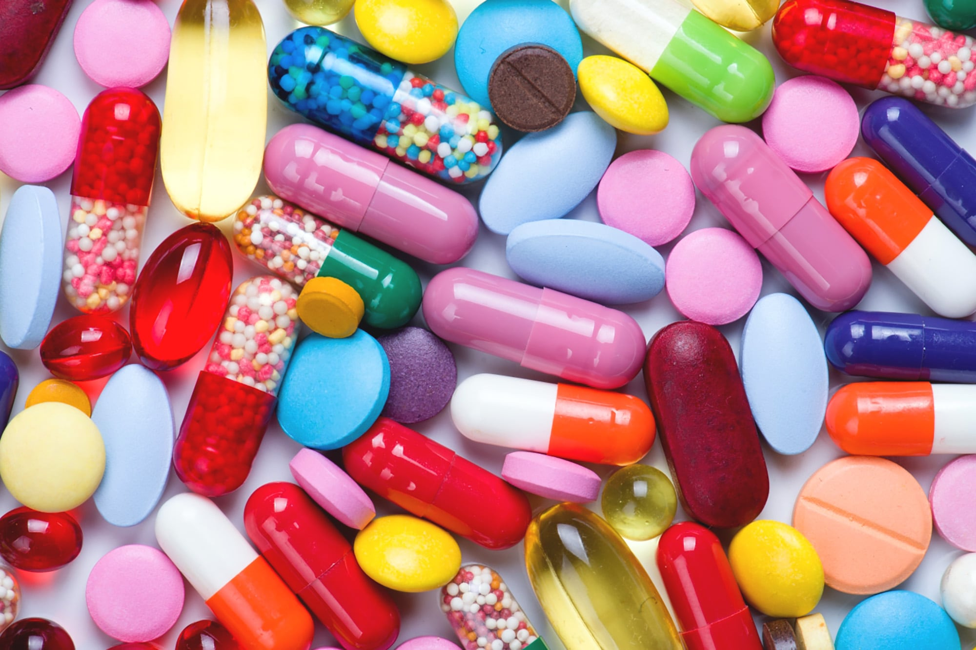 Có nên trị mụn bằng kháng sinh