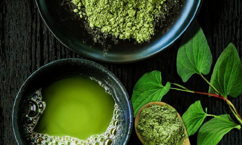 điều trị mụn thâm bằng rau diếp cá cùng trà xanh