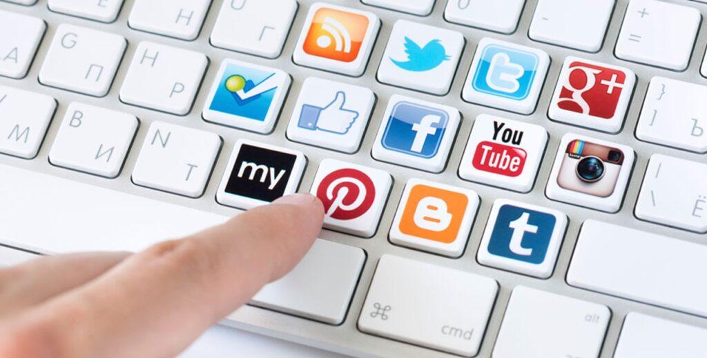 Kênh bán hàng online rất đa dạng và nhiều tiện ích
