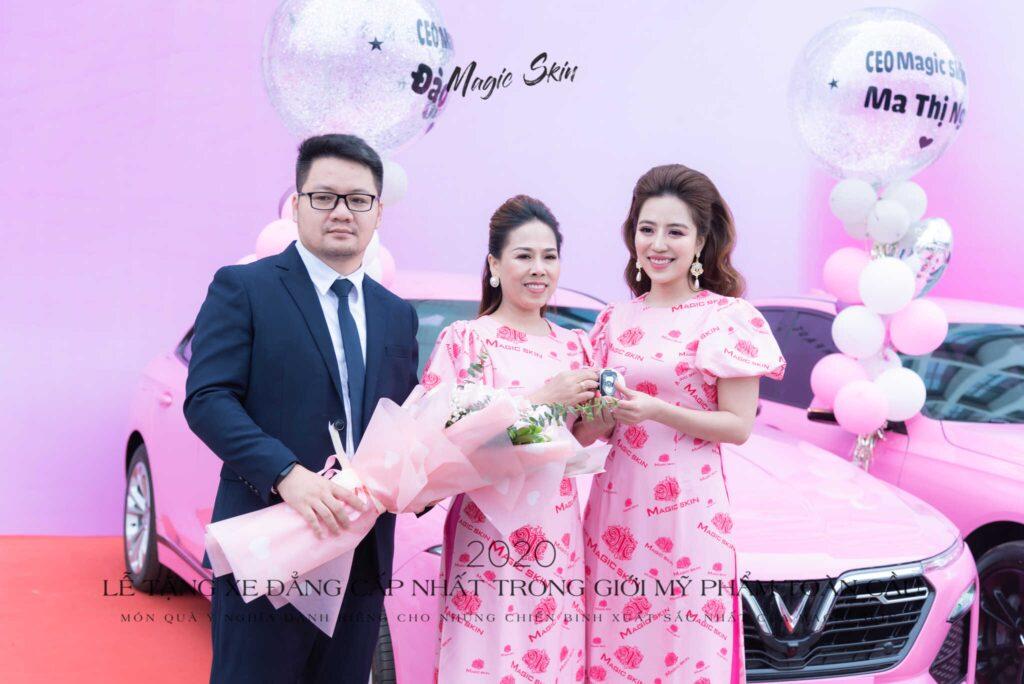 CEO-dao-thao-nhan-xe-1