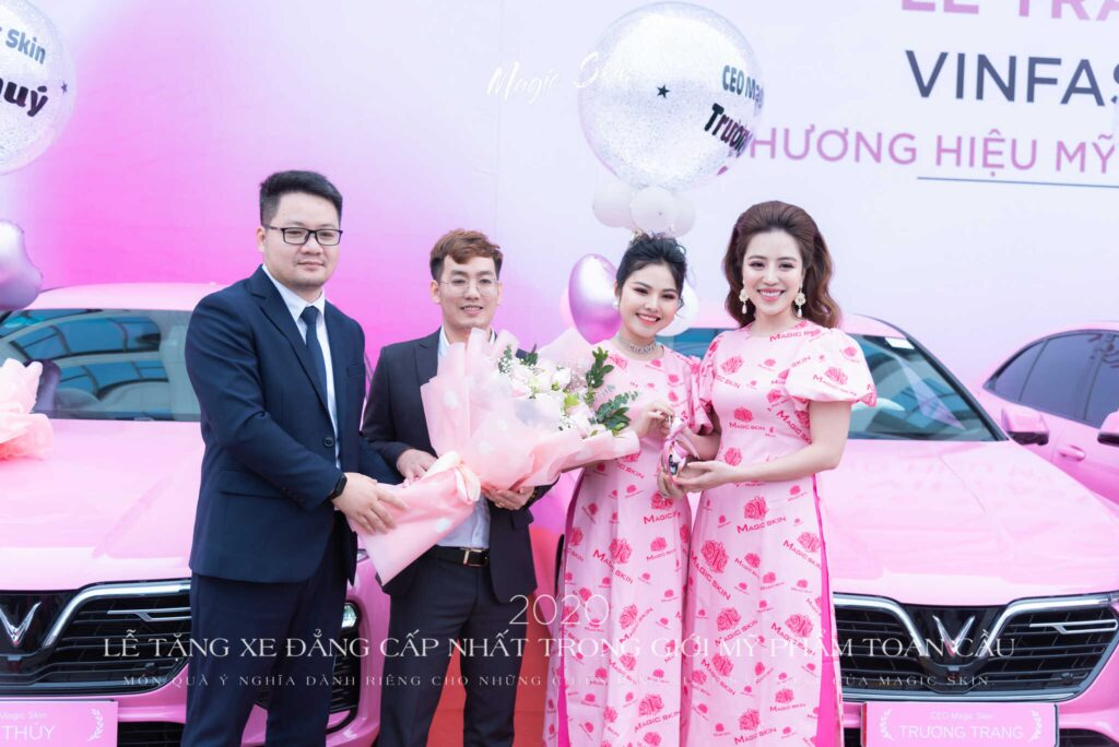 CEO-truong-trang-nhan-xe-4