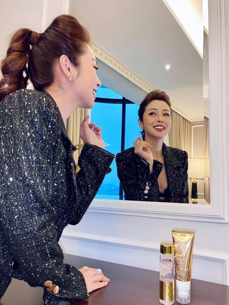 Jennifer Phạm bày cách chọn mỹ phẩm tốt nhất cho da