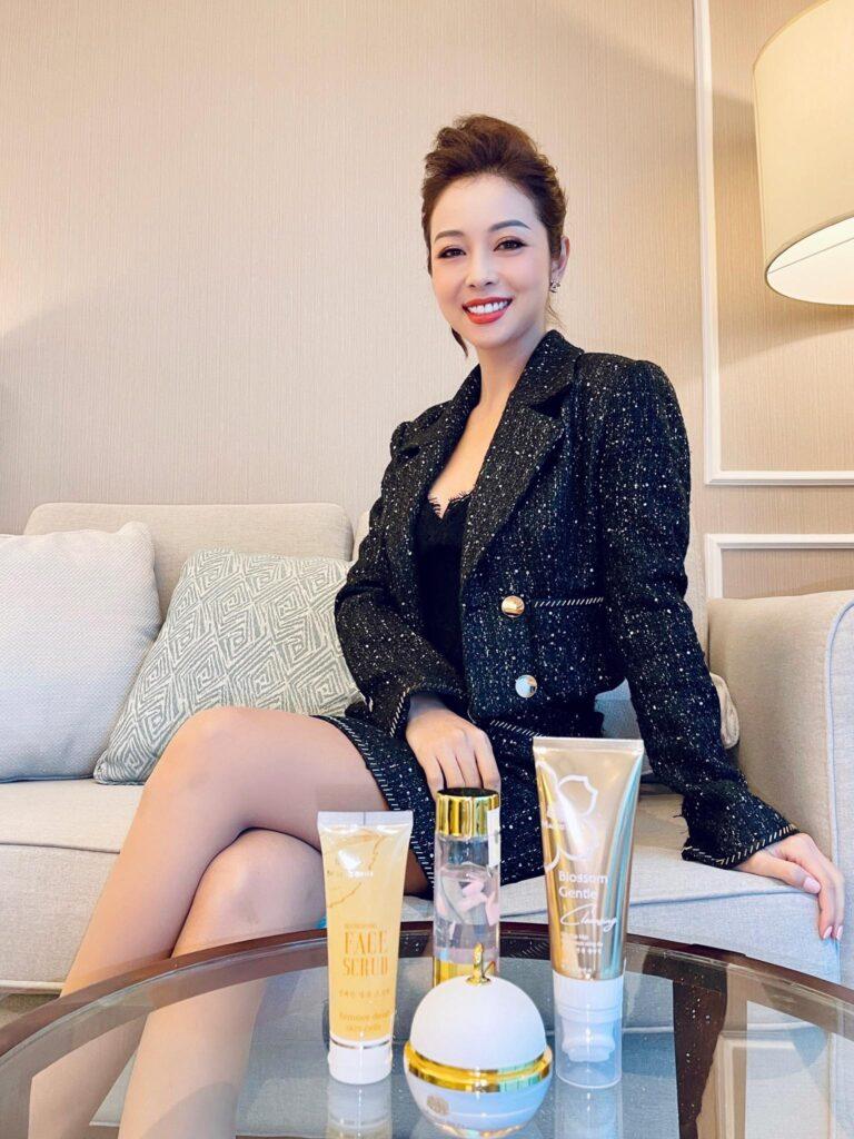 Jennifer Phạm tin dùng sản phẩm của thương hiệu Việt